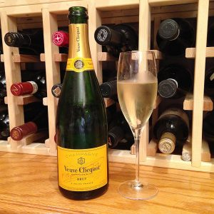 veuve-clicquot-ponsardin-brut-champagne-yellow-label-nv